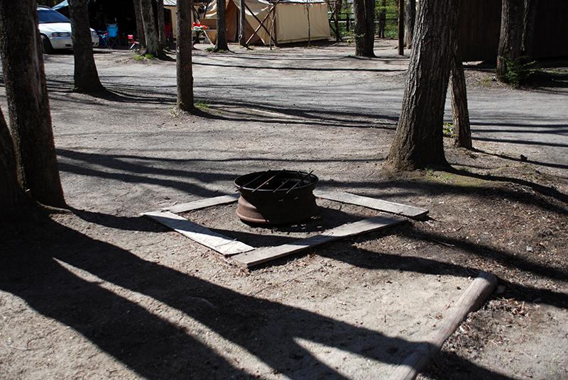 焚き火用炉 焚き火用炉  直火林間サイト:林間で涼しくキャンプ オートキャンプ場 北軽井沢スウィ