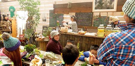 イベントハウス内のモクカフェ