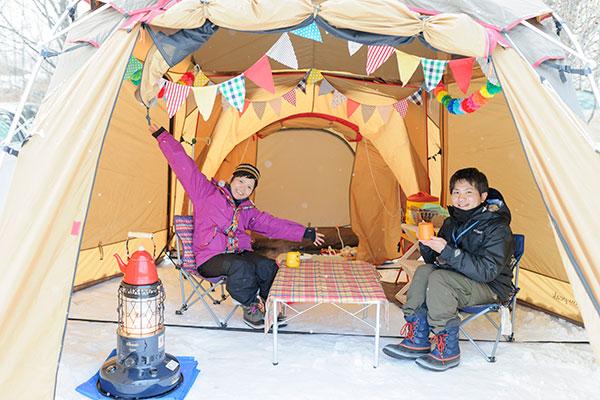 冬の雪中キャンプ